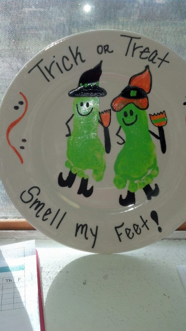 Halloween footprint craft trick or treat smell my feet witches - Marshall's daycare teachers made this !!