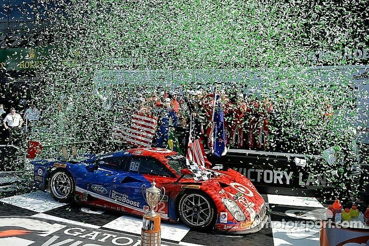 2015 Daytona 24 ~ The Chip Ganassi racing team with drivers Scott Dixon,Tony Kanaan,Kyle Larson, and Jamie McMurray Riley piloted this FordGT EcoBoost3.5L Turbo V6 to victory at the 2015  race.
