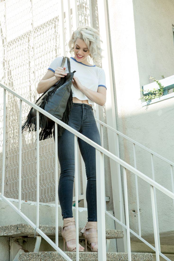 . Skinny Jeans stairways to heaven❤️👌 . #fashion #jeans #heels #styleurself #LAFashion #NYCfashion #Miamifashion #fashionista #denim #skinnyjeans #Denimskirts #look #getthelook #heels #hotpants #denimshorts #outfit #look #getthelook