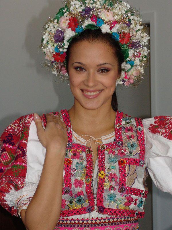 "SLOVAK wedding folk costume with ""parta""(bridal head cover)"