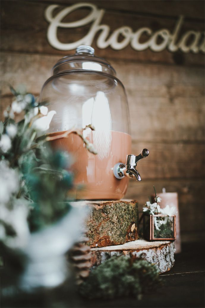 Shooting d'inspiration mariage : Thème hivernal en Alsace | Photographe : Le Grand Jour | Organisation et décoration : L'Atelier du Bonheur | Donne-moi ta main - Blog mariage