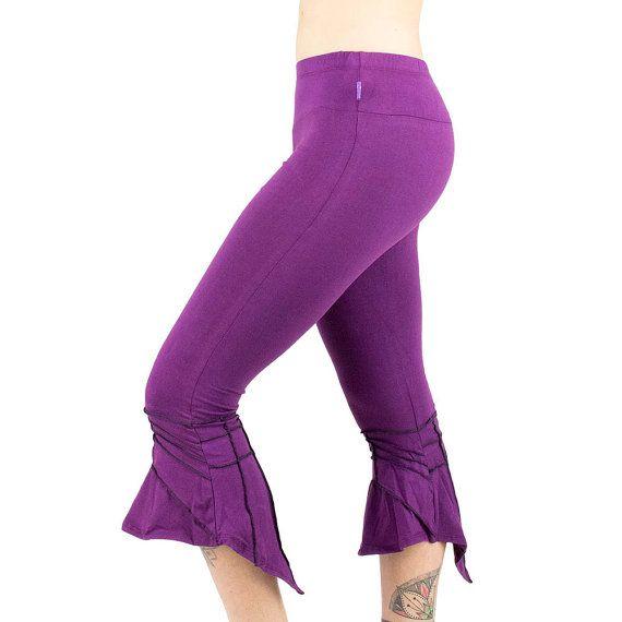 THELF Legging de fée évasé et pointu, violet, prune, féerique, festival trance, steampunk, hippie, tribal elf, danse, yoga, bas trompette, Fait main Matériaux : Coton, elasthanne, prune, purple, évasé, flared, patte d éléphant, surpiqures, violet, aubergine, plum/ THELF Fairy Legging flared and sharp, purple, plum, fairy, festival trance, steampunk, hippie, tribal elf, dance, yoga, trumpet bottom, Handmade Materials: Cotton, elastane, plum, purple, flared, flared, elephant paw, stitching,