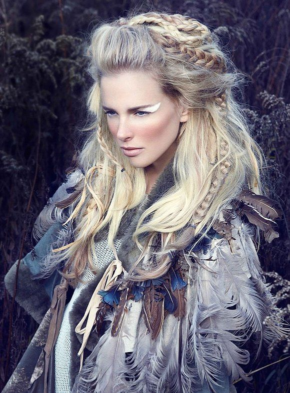 LOVE this hair.. Omgosh if I could somehow do something like this for  Halloween - Best 25+ Tribal Hair Ideas On Pinterest Warrior Makeup, Tribal