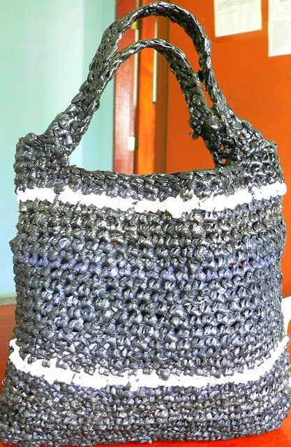 Crochet Pattern For Plastic Bag Tote : 17 Best images about Crafts on Pinterest Free pattern ...