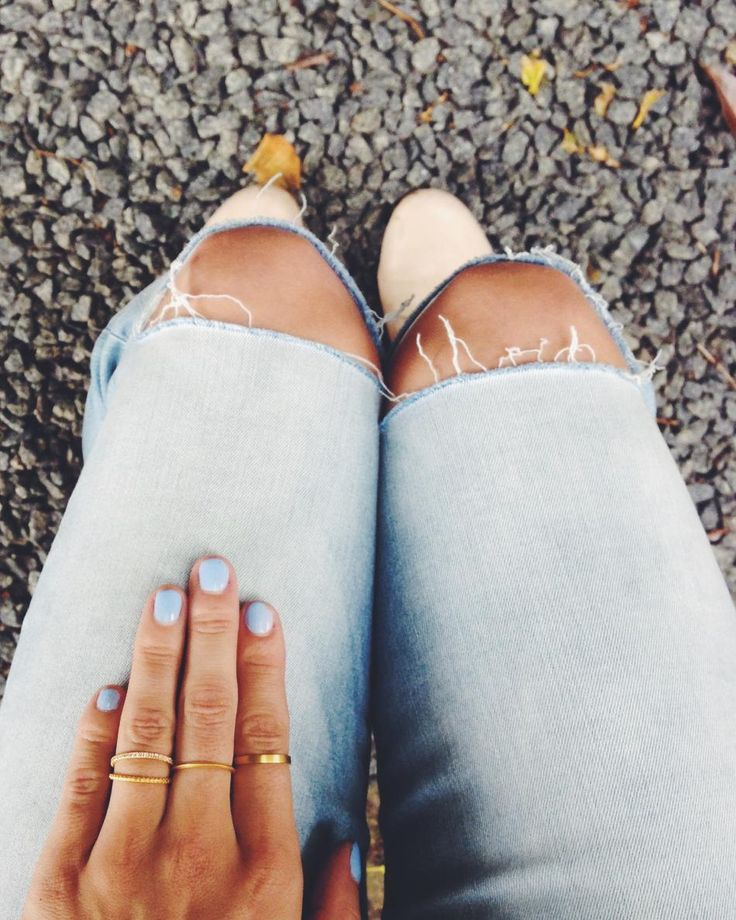 Ready for summer.. #hvisk #jewelry #blue #nailpolish #fashion #ring #rings #gold #jeans #ootd #distorsion