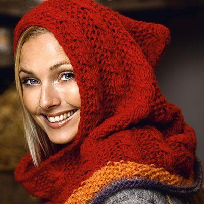 Den store varme hætte kan også bare vippes ned og bruges som et dejligt fyldigt tørklæde.