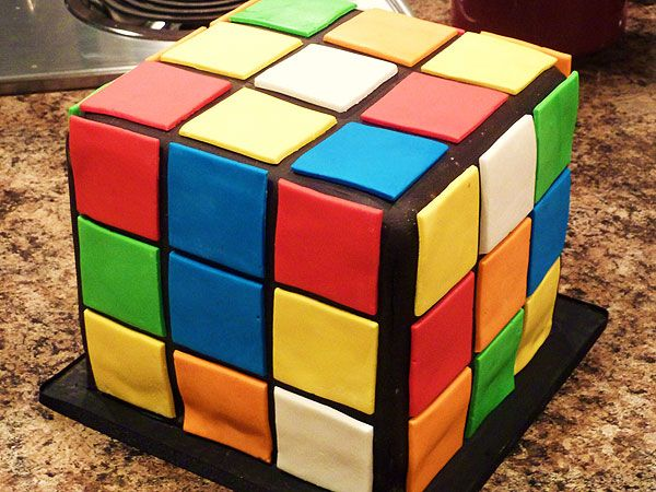 A Rubiku0027s Cube Cake To Celebrate The Iconic Puzzleu0027s 40th Birthday