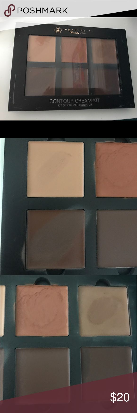 Anastasia Beverly Hills contour cream kit Anastasia Beverly Hills contour cream kit deep. Used 4 out of 6 colors. Coral has been used more than the other colors. Anastasia Beverly Hills Makeup Concealer