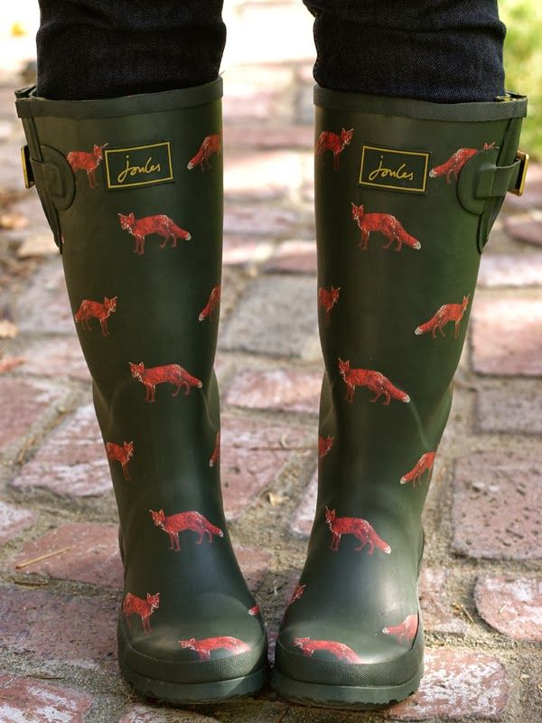 Fox Wellies - if I find any that fit in Seattle...I'm buying them!