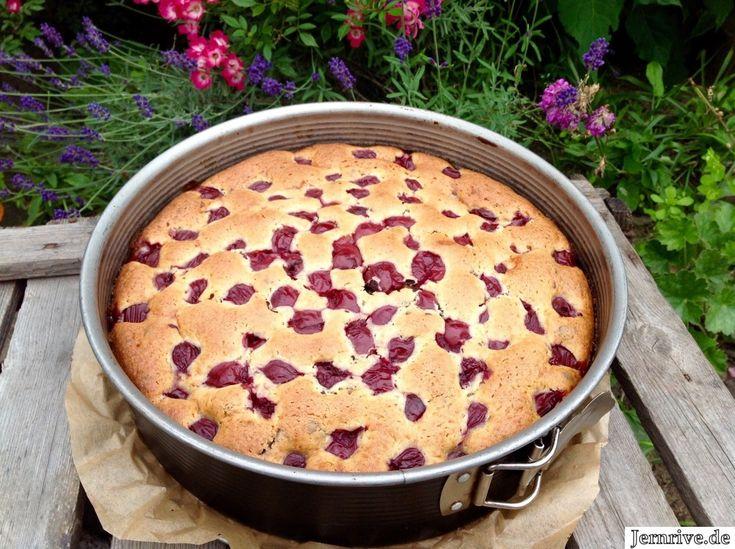 Ein wunderbar einfacher Kirschkuchen, der jedem gelingt. Ein Kuchen, der ist …   – Rührkuchen mit kirschen