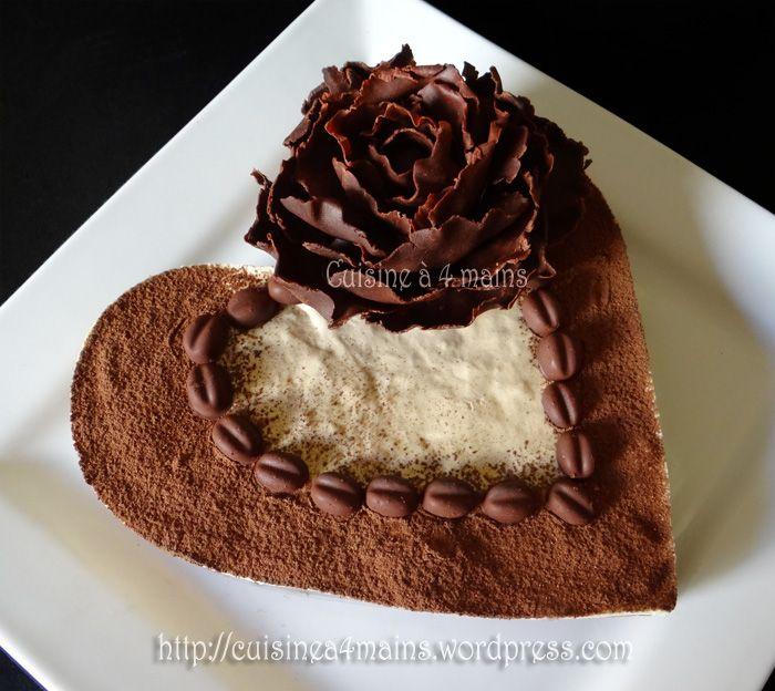Quand j'ai vu la vidéo de ce gâteau,j'ai tout de suite été tentée! Un biscuit au chocolat bien fondantsurmonté d'une mousse au café douce et moelleuse et d'un voile de cacao ! Bien vite j...