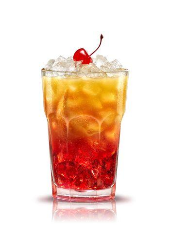 Campari orange passion. Preparación: 1 parte Campari - 2 rodajas Naranja - 1 cucharilla azúcar moreno - 3 partes Zumo de naranja - Un poco Hielo. Prepara la bebida en un vaso alto. Pon la naranja y el azúcar moreno en el vaso y machaca. Añadir hielo picado. Añadir Campari y zumo de naranja, remover suavemente. Decorar con una cereza roja. #micoctelcampari