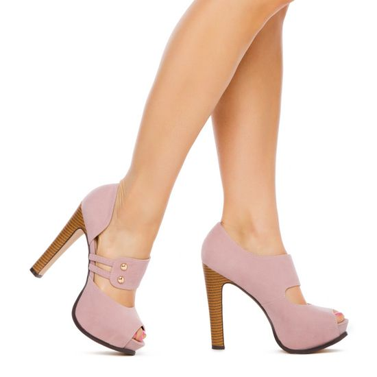 Beautiful!!! I love these shoes. I wore them on Mother's Day and my Mom loved them too!! Ainsley - ShoeDazzle