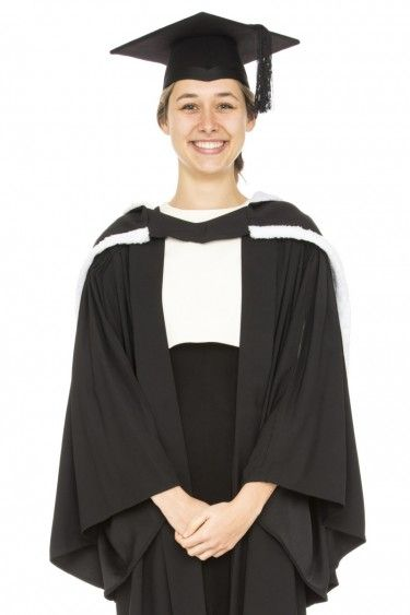 Tips For Wearing Graduation Gowns That You Should Know | Graduation ...