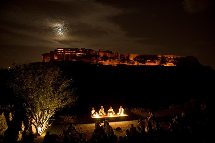 Chaandni 2, in May, at the Rao Jodha Desert Rock Park was pure magic. The moon and all kinds of clouds showed up to add drama to the already fabulous Manganiar music.