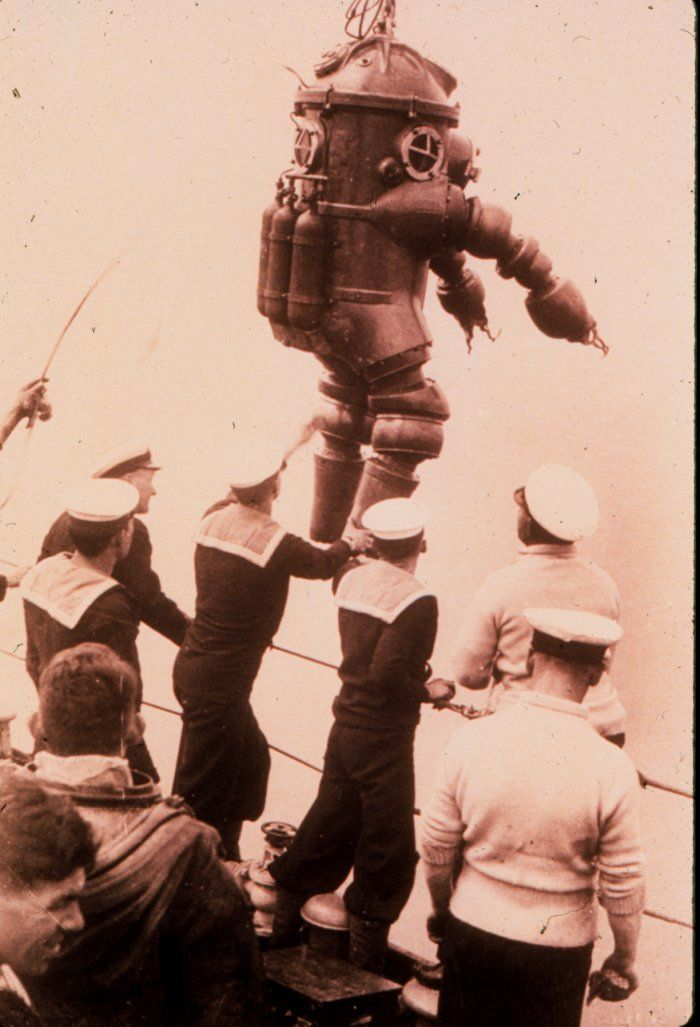 Diving suit by Salim Peress used to explore the wreck of the Lusitania, 1937