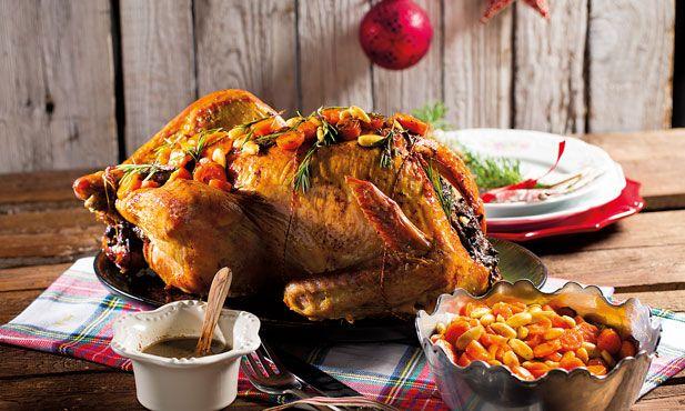 Aceite a nossa sugestão e neste Natal faça do seu tradicional peru, um novo peru recheado com cenouras glaceadas. A receita que tornará o Natal especial.