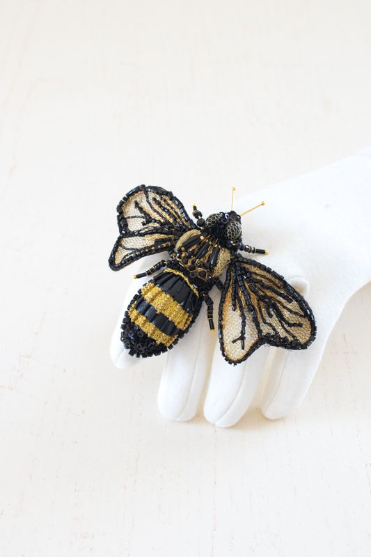 Hand embroidered Brooch Bumblebee by Eve Anders. Handmade Jewelry design.