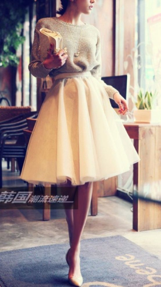 full skirt with sweater oh so feminine #Fashion