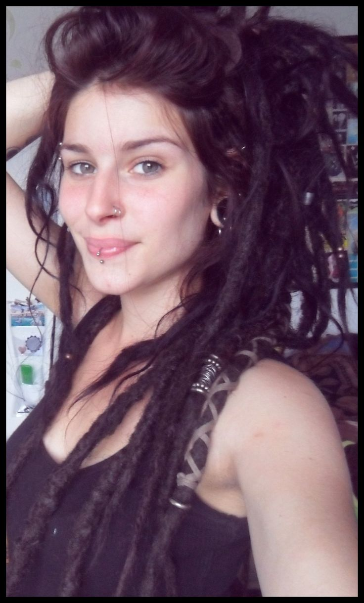 White girls really can have dreads. Maybr I should... Hmm? (: #dreads