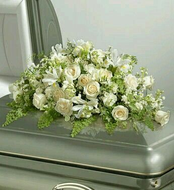 64 best Funeral arrangements images on Pinterest | Beerdigung blumen ...