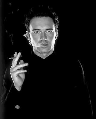 Julian McMahon is Australian.....