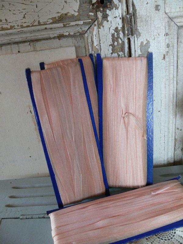 Kaarten oud lint - héééél veel meters roze