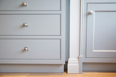 London Family Home 9 SGS Design Ltd Mark Wilkinson shaker kitchen painted Little Greene Paint Company Bone China Blue