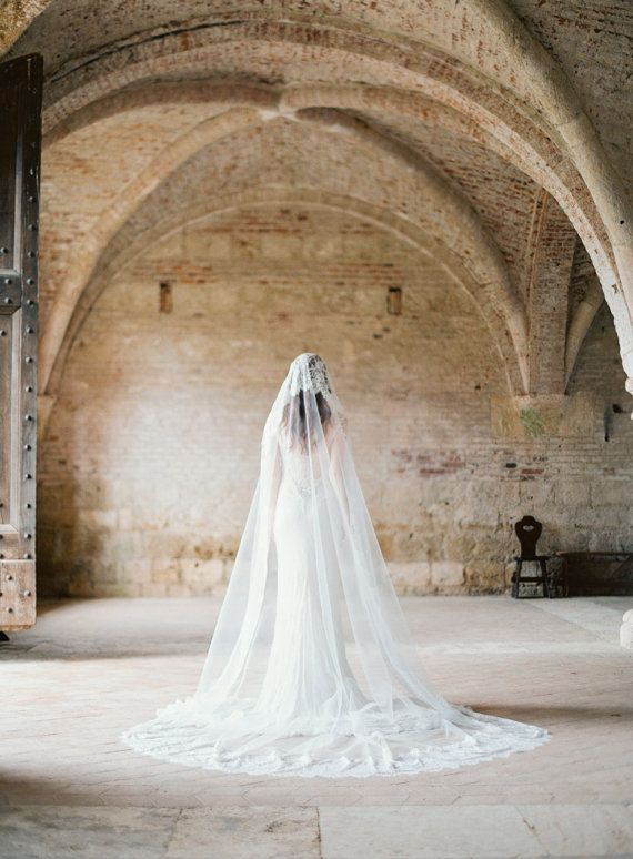 Beautiful Lace Mantilla Veil
