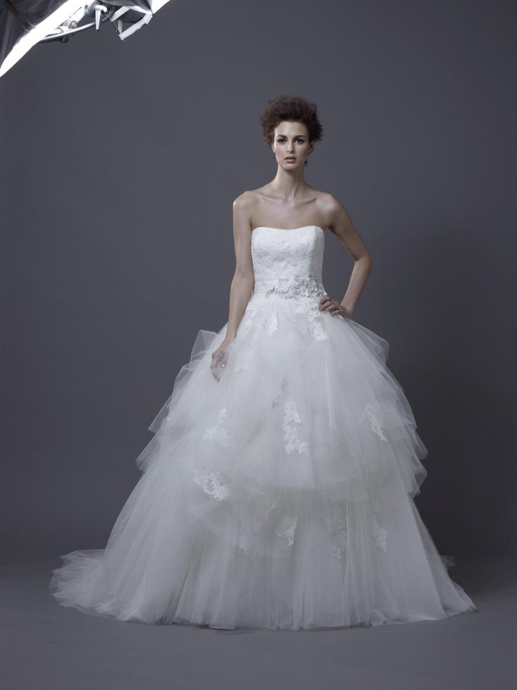 Igen Szalon Enzoani wedding dress - Hadil #igenszalon #weddingdress #enzoani