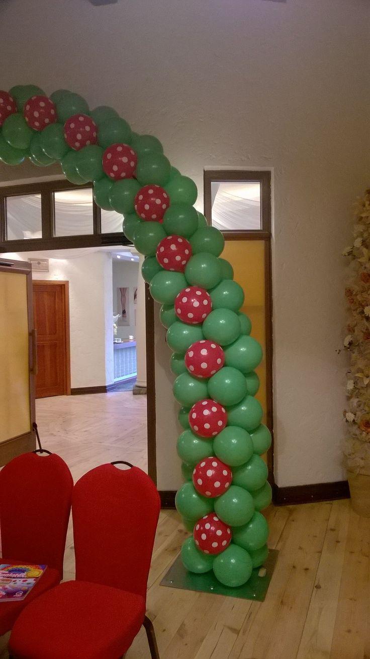 Piękna wiosenna brama z balonów Qualatex.  Idealna na przyjęcie urodzinowe! więcej na http://balomania.eu/