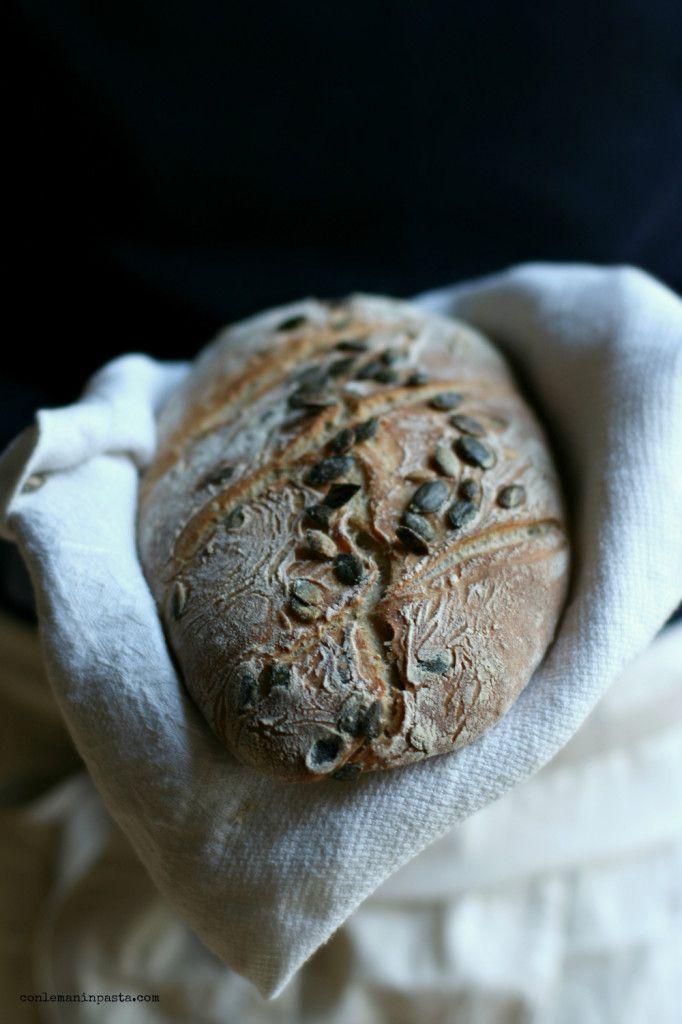 Pane semintegrale con semi di zucca