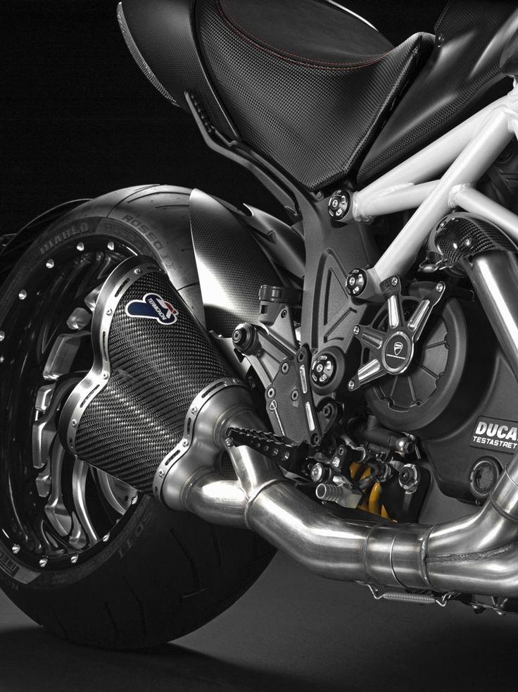 2015 Ducati Diavel Carbon, Termignoni