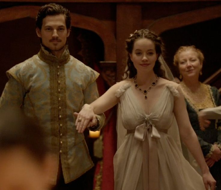 I can't believe this guy! !!!! I really liked him. No Exit: Lola and her new husband, Lord Julien (Giacomo Gianniotti)