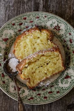 Gâteau au mascarpone - Indrédients: 300g de farime; 200g de sucre; 250g de mascarpone; 4 oeufs; 10cl de lait; 2 c à c de vanille; 1 sachet de levure chimique (pourdre à pâte).
