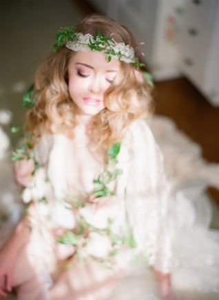 Romantic, vintage boudoir session with a flower garland | Carmen Santorelli Photography | see more on: http://burnettsboards.com/2014/08/vintage-flower-infused-boudoir-session/