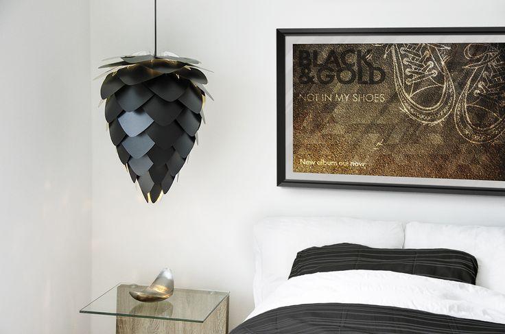 VITA Conia black and gold