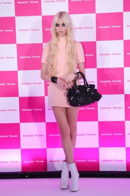 Taylor Momsen at the Samantha Thavasa Handbag Event