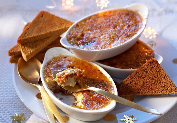 La crème brûlée au foie gras A servir tout juste sortie du four avec une petite salade avec des tranches de pain d'épice toastées.  Voir larecette de la crème brûlée au foie gras