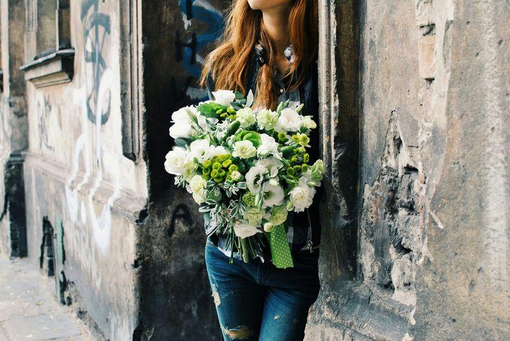 #flowers #eustoma #bouquet #street