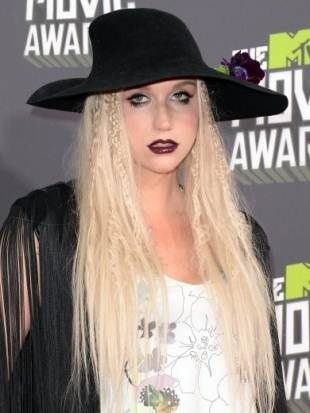 Hairstyles of Celebrities from MTV Movie Awards 2013 (Kesha)