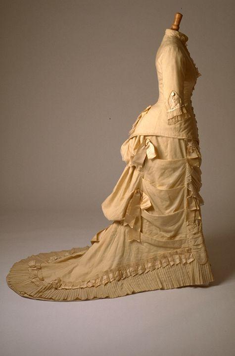 Dress, mid-1870′s From the Musée du Costume et du Textile du Québec