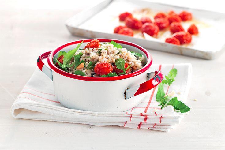 Ricetta Orzo tipeido con pomodorini arrostiti, fagiolini e mandorle - La Cucina Italiana: ricette, news, chef, storie in cucina