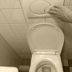 hoe kan je in je huishouden besparen op je waterverbruik?  5) bij het gebruik van de wc gebruik je de kleine knop voor een kleine boodschap en een de grote knop voor een grote boodschap.