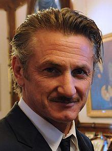 Sean Penn with Cristina Fernández crop.JPG