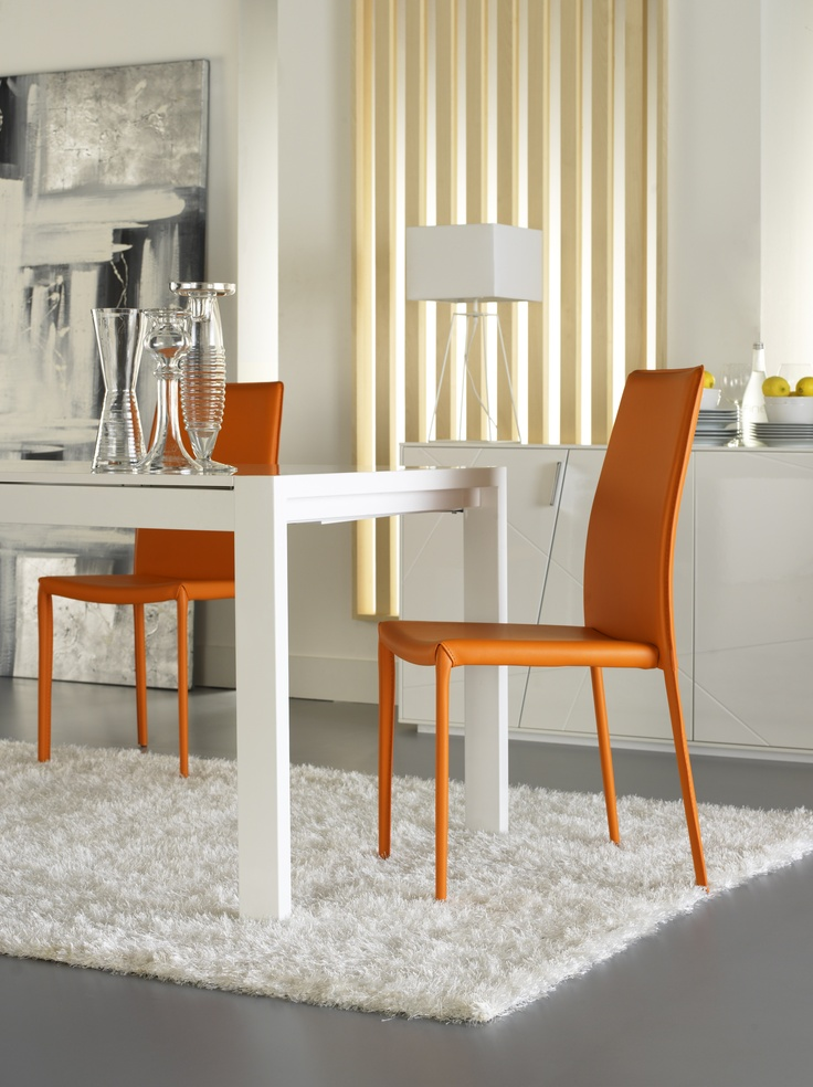 Moderna y actual silla color naranja muebles comedor for Comedor sillas colores