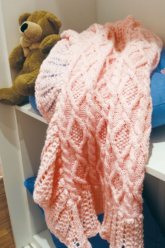 Manta rosa de tricô em ponto irlandês com barrado em crochê / DIY, Craft, Upcycle