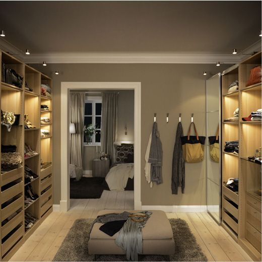 Ikea pax walk in closet decoratie en inrichting for Dressing room ideas ikea