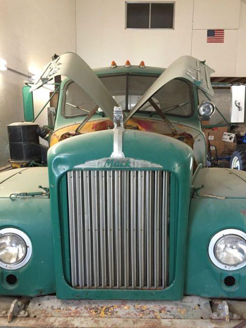 1960 B model Mack Diesel Truck Semi Tractor for sale: photos, technical specifications, description