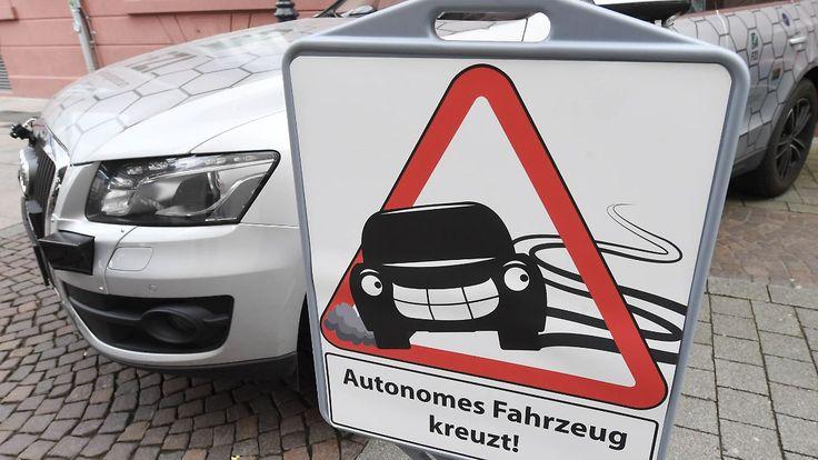 Menschenleben haben immer Vorrang: Ethikkommission warnt vor Überwachung durch autonome Autos